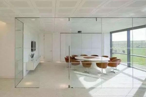 成都办公室装修玻璃隔断设计