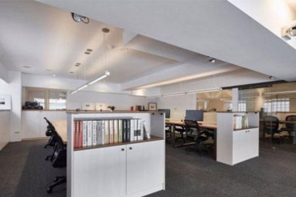 成都办公室装修地柜隔断设计