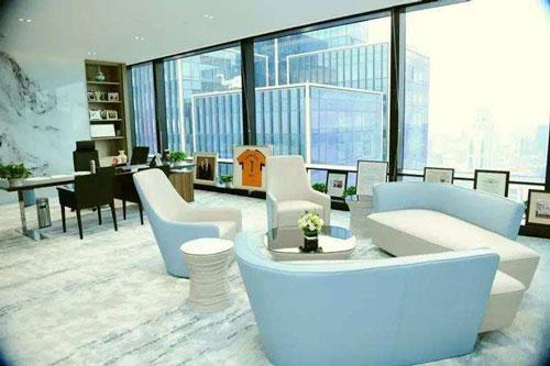 办公室蓝白清新色调