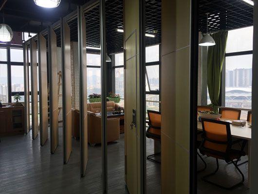 成都办公室隔断装修屏风设计