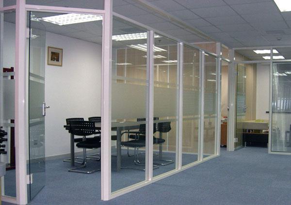 办公室有框玻璃隔断