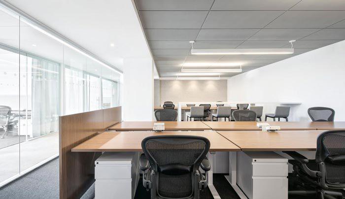 成都广告代理公司装修办公桌
