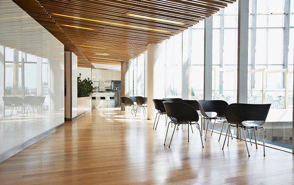 办公室装修木地板铺装