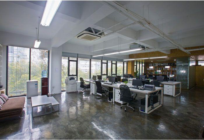 小型工作室装修效果图整体空间
