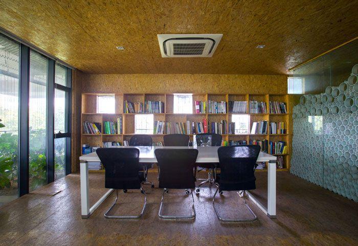 小型工作室装修效果图会议室