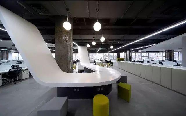 汽车模型办公室装修大厅空间