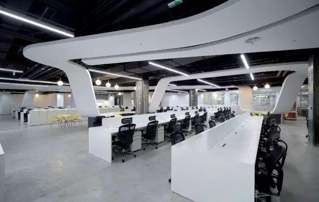 汽车模型办公室装修办公区