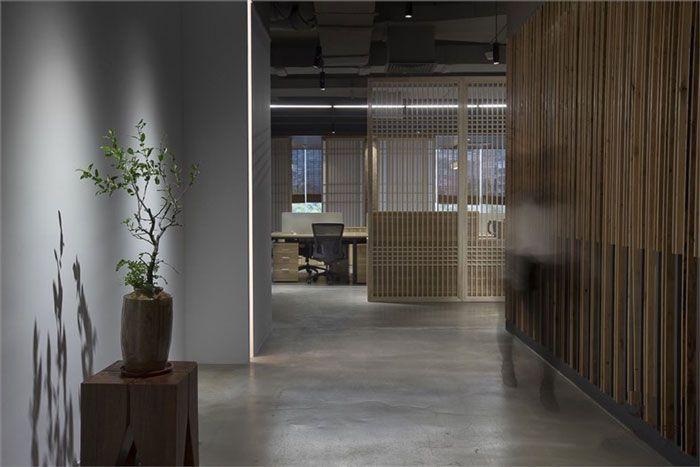 成都现代办公室装修办公入口