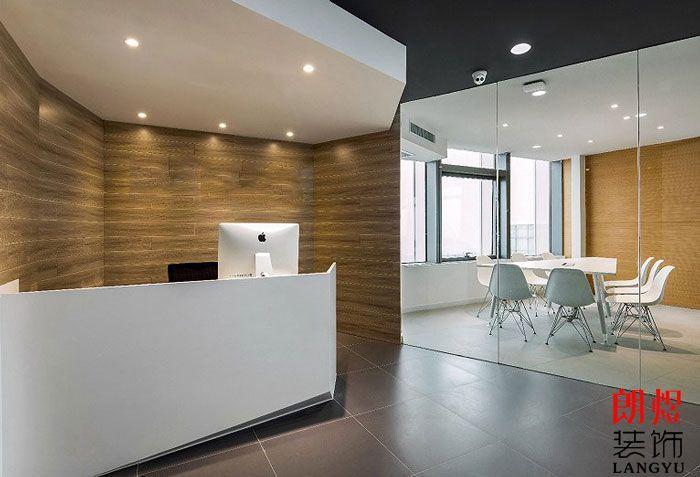 LOFT办公室装修前台设计