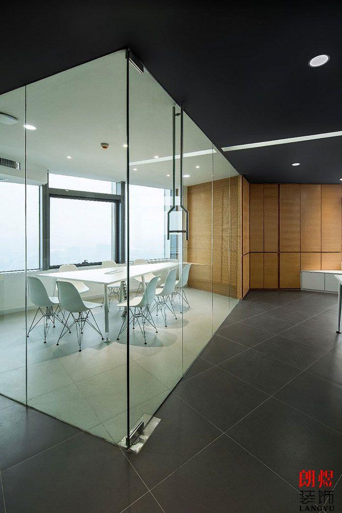 LOFT办公室装修一楼小会议室