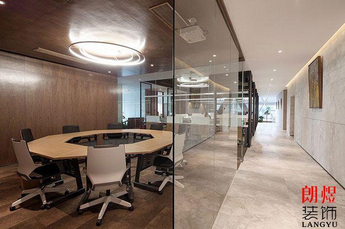 基金公司办公室装修效果图玻璃隔断