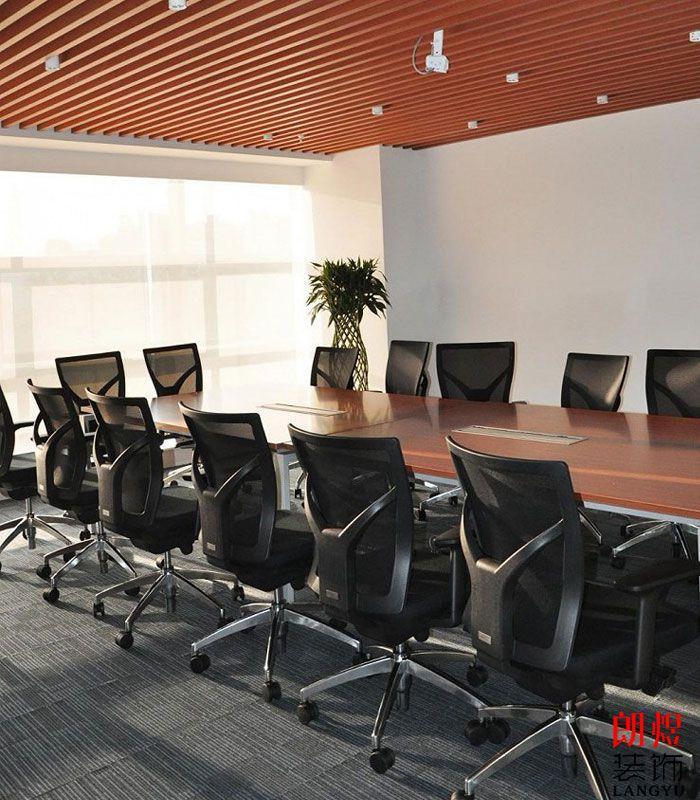 现代简约办公室装修会议室