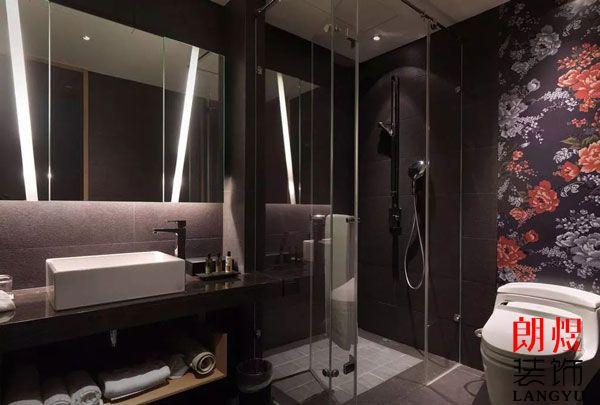 酒店浴室玻璃爆裂