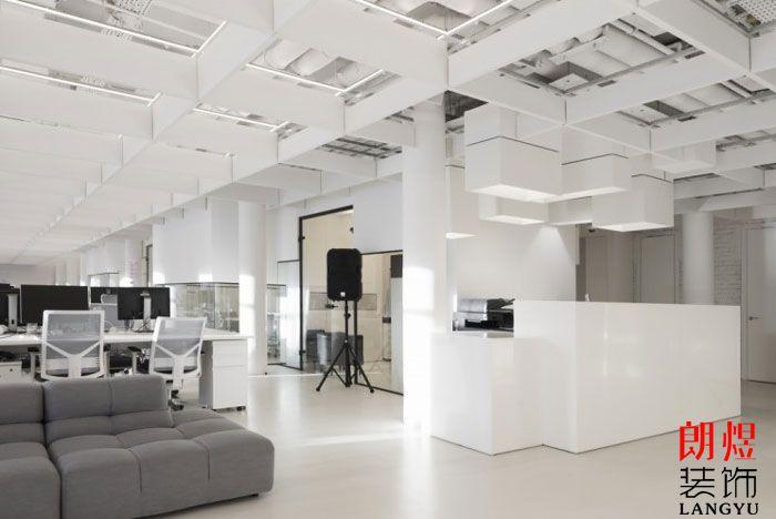 现代办公室装修效果图片