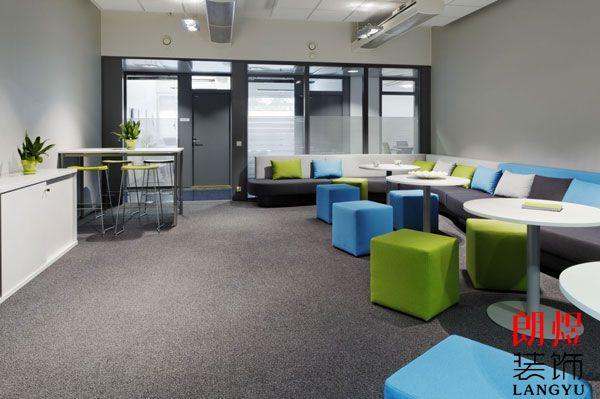 办公室装修铺地毯有什么好处?