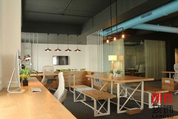 小型办公室如何装修设计更显人性化?