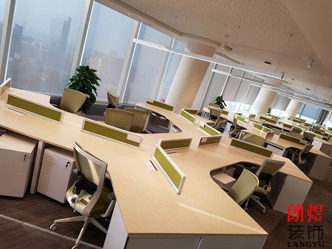 成都办公室装修如何根据设计风格搭配家具