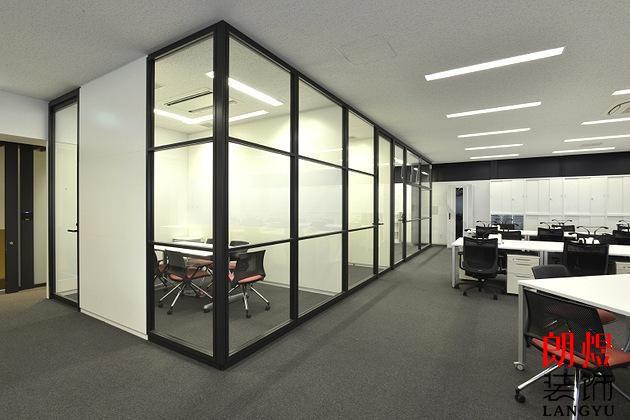 办公室装修玻璃隔断