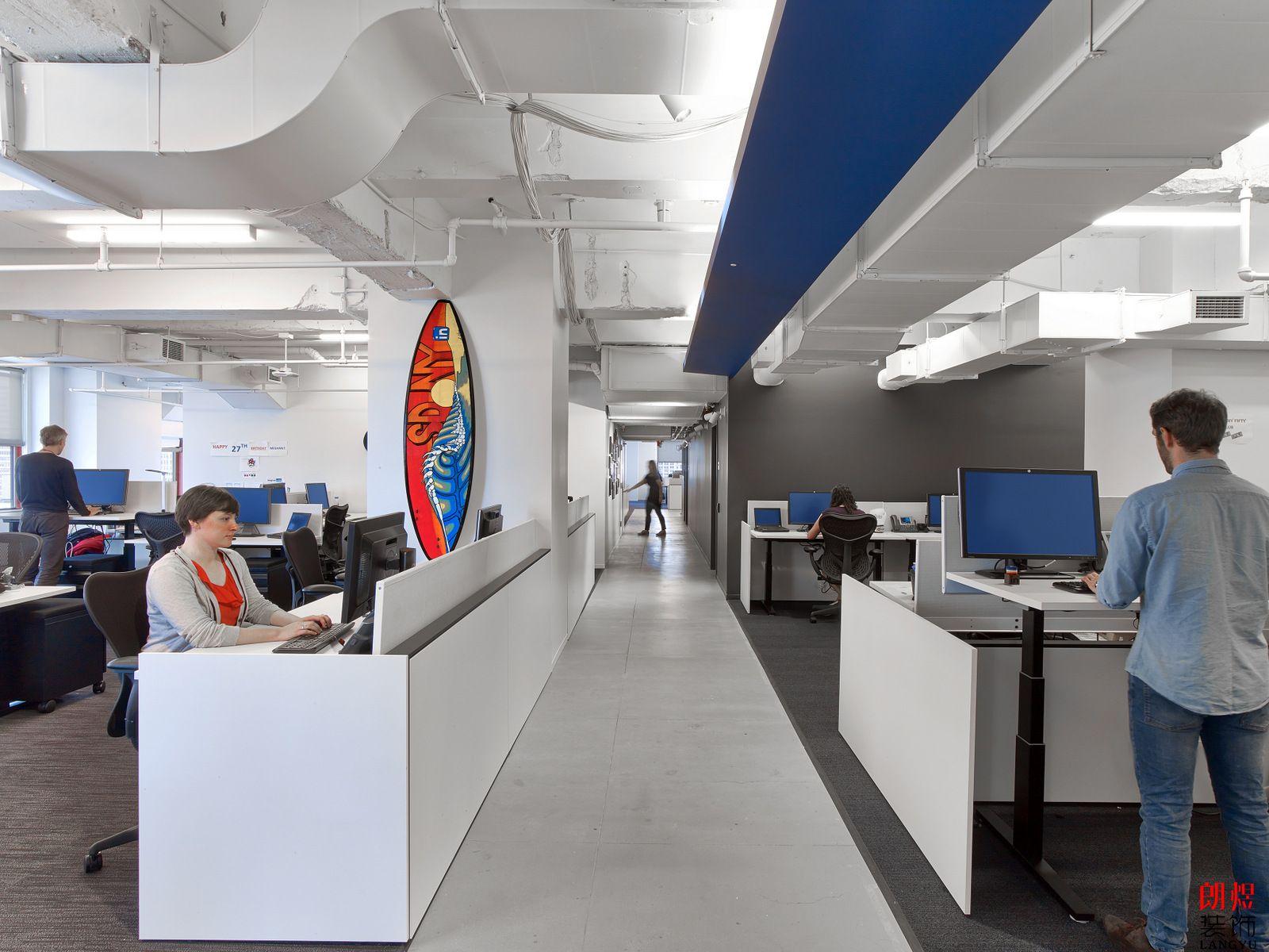 科技公司办公室,办公室装修设计,办公室实景效果图