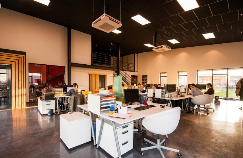 成都公装装修的五大设计原则_办公室装修效果图