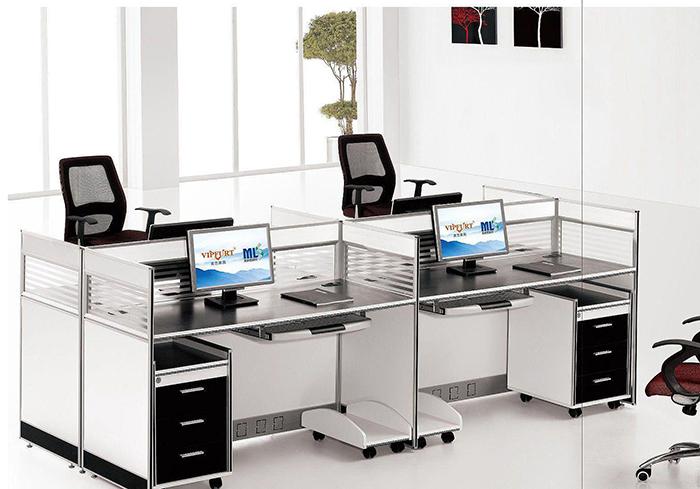 办公室装修中实用的办公桌选用方法